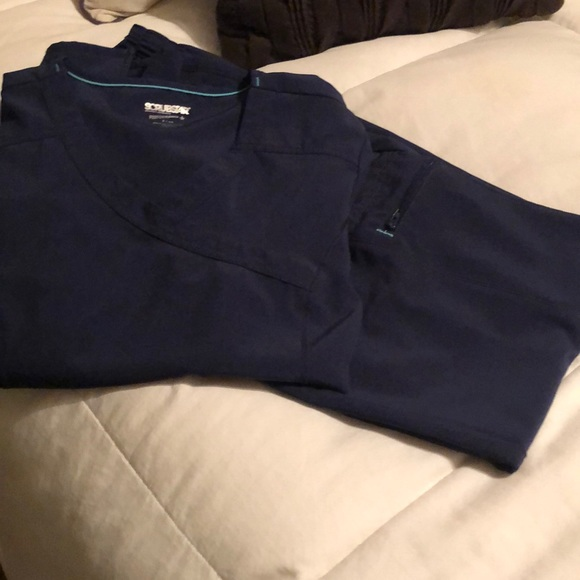 2 PR women's scrubs top and pants in navy blue